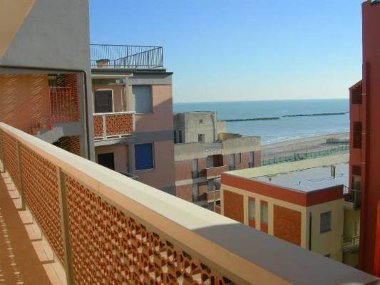 Appartamento in affitto a Comacchio, 3 locali, prezzo € 1.550 | CambioCasa.it
