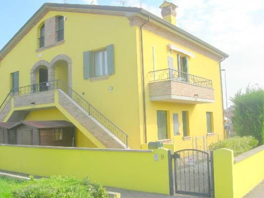 Villa a Schiera in vendita a Lagosanto, 4 locali, prezzo € 130.000 | CambioCasa.it