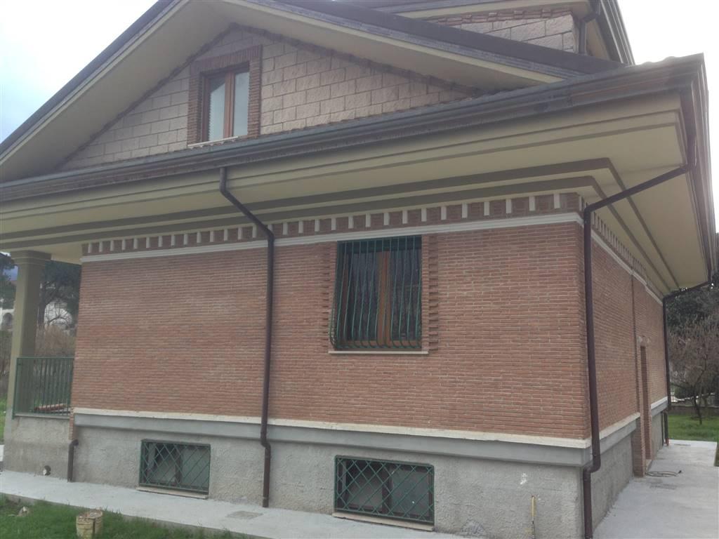 Attico / Mansarda in affitto a San Michele di Serino, 3 locali, prezzo € 440 | CambioCasa.it
