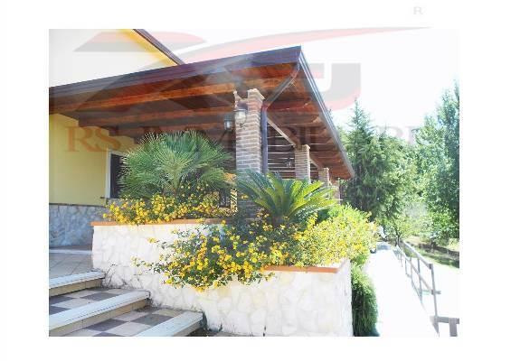 Villa-Villetta  in Vendita a Caiazzo