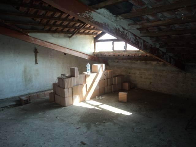 Attico / Mansarda in vendita a Caserta, 3 locali, prezzo € 40.000 | CambioCasa.it