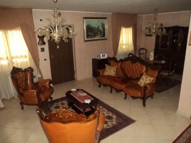 Villa in vendita a Capodrise, 6 locali, prezzo € 219.000 | CambioCasa.it