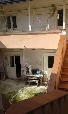 Soluzione Indipendente in vendita a Caserta, 4 locali, prezzo € 150.000 | CambioCasa.it