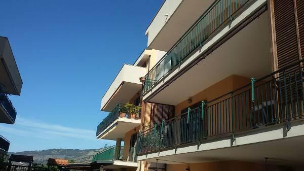 Attico / Mansarda in vendita a Caserta, 4 locali, prezzo € 190.000 | CambioCasa.it