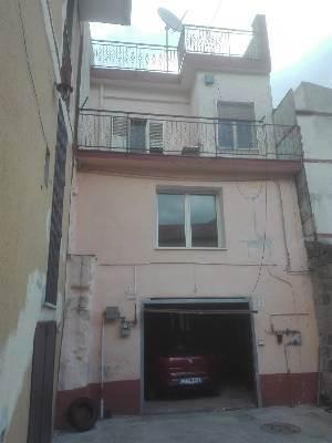 Villa in vendita a Caserta, 5 locali, prezzo € 160.000 | CambioCasa.it