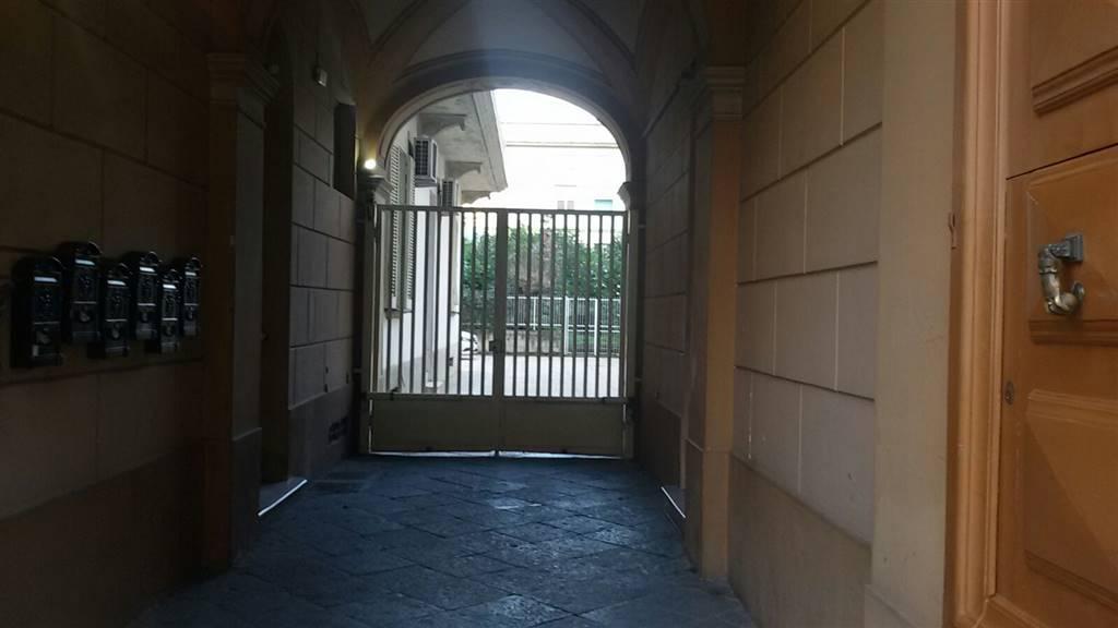 Ufficio / Studio in affitto a Caserta, 4 locali, zona Zona: Centro, prezzo € 600 | CambioCasa.it