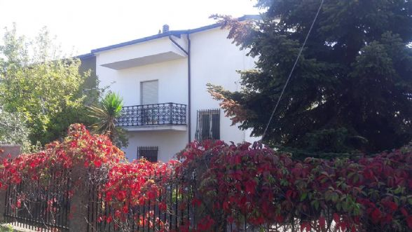 Soluzione Semindipendente in vendita a Montalto Uffugo, 6 locali, zona Località: TAVERNA, prezzo € 130.000 | CambioCasa.it