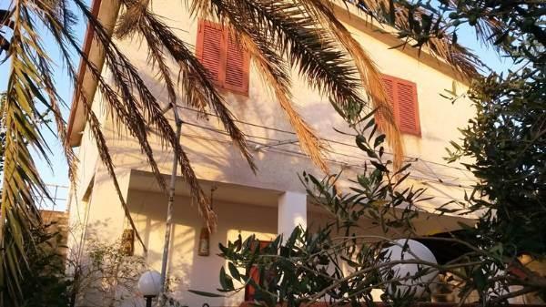 Rustico / Casale in vendita a Partinico, 4 locali, prezzo € 85.000 | CambioCasa.it