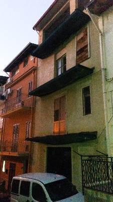 Appartamento in vendita a Borgetto, 7 locali, prezzo € 51.000 | CambioCasa.it