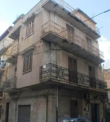 Appartamento in vendita a Partinico, 6 locali, prezzo € 70.000 | CambioCasa.it