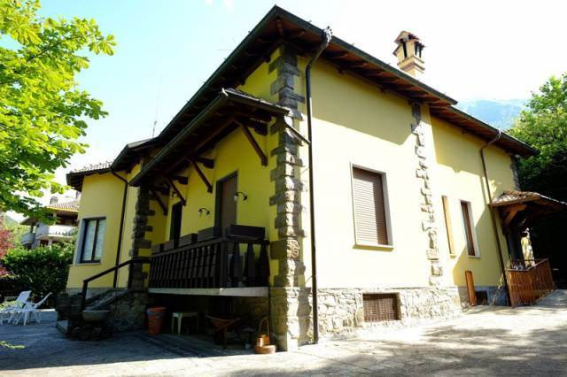 Villa-Villetta  in Vendita a Barzio