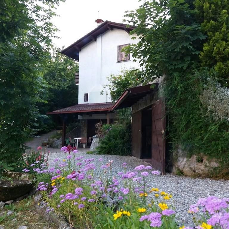 Villa-Villetta  in Vendita a Ballabio