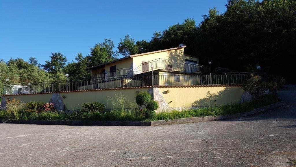 Villa-Villetta  in Vendita a Liberi
