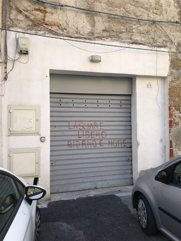 magazzino-deposito  in Affitto a Palermo