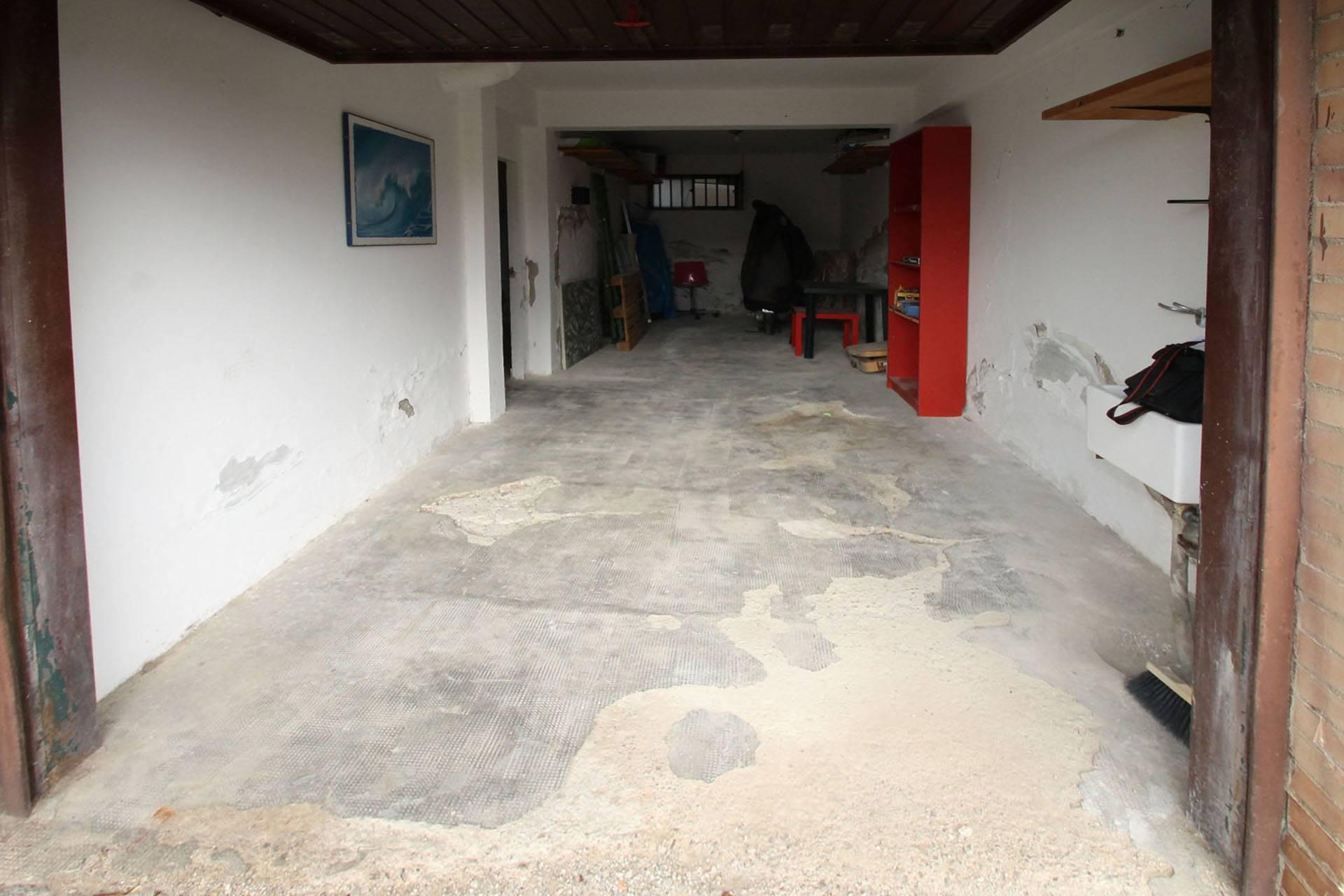 R/61-garage