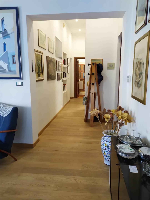 Vista corridoio dal salone