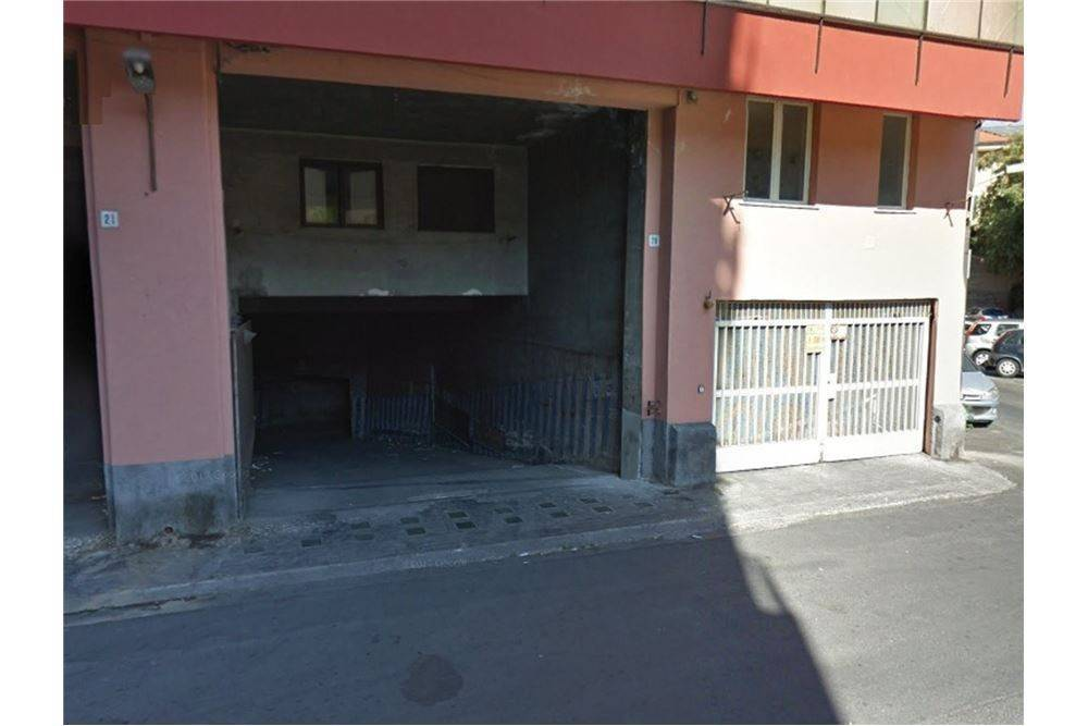 garage-Box-posto auto  in Vendita a Sant'Agata Li Battiati