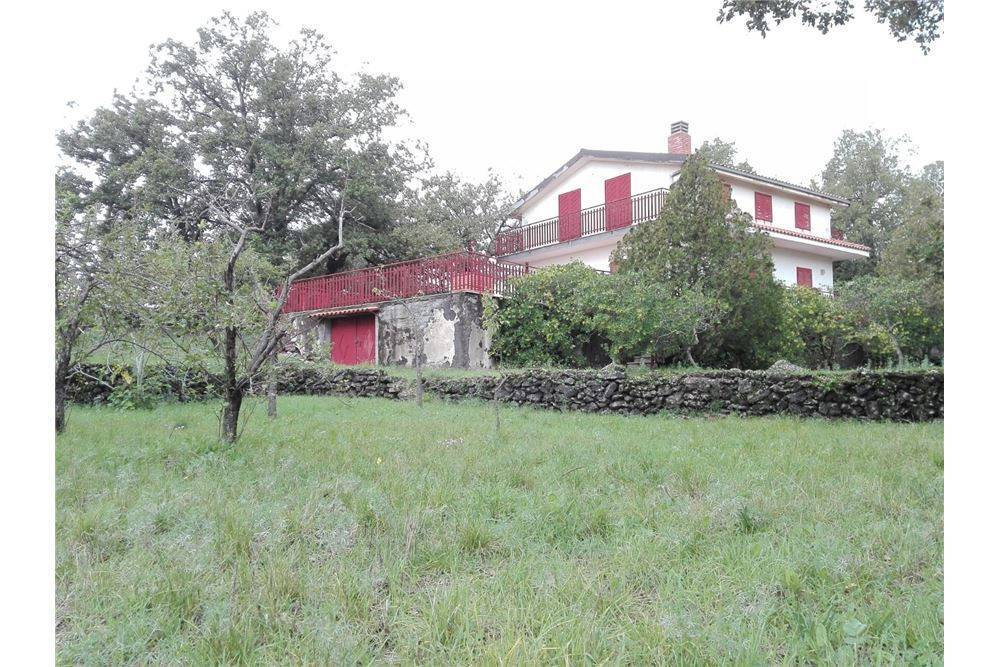 Villa-Villetta  in Vendita a Belpasso