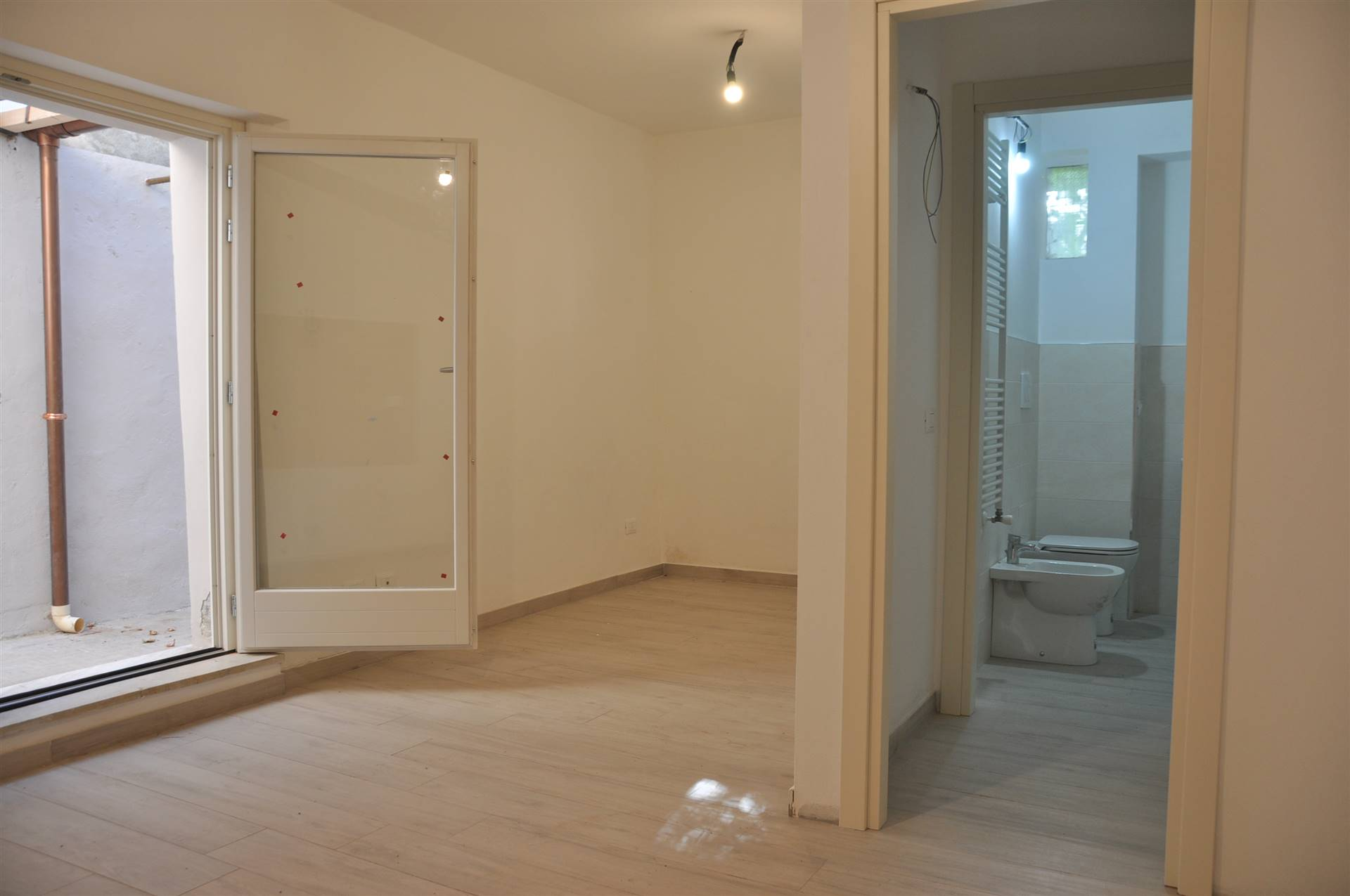 sala pranzo- ingresso bagno