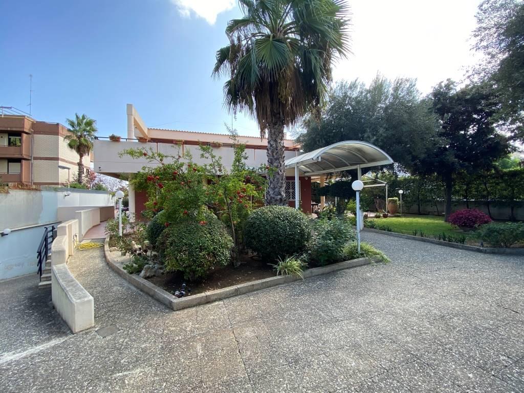 esterno villa castelletti re