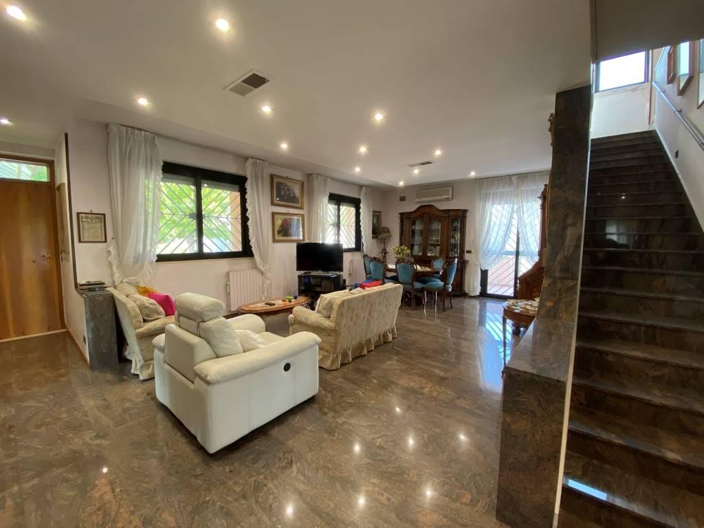 sala villa castelletti re
