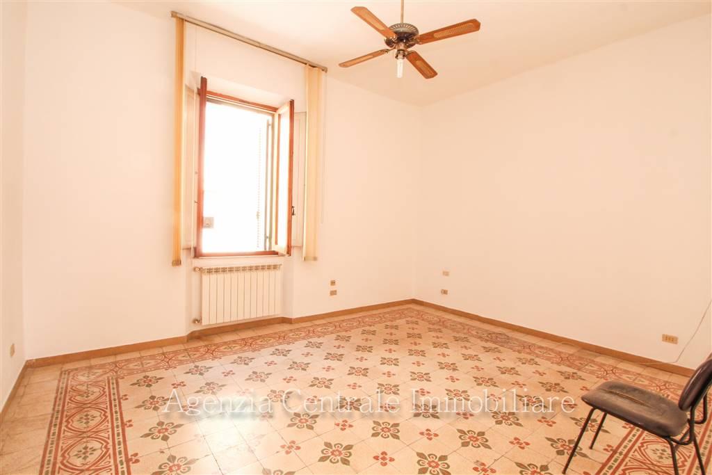 Ufficio / Studio in affitto a Grosseto, 5 locali, zona Località: CENTRO CITTÀ, prezzo € 700 | CambioCasa.it