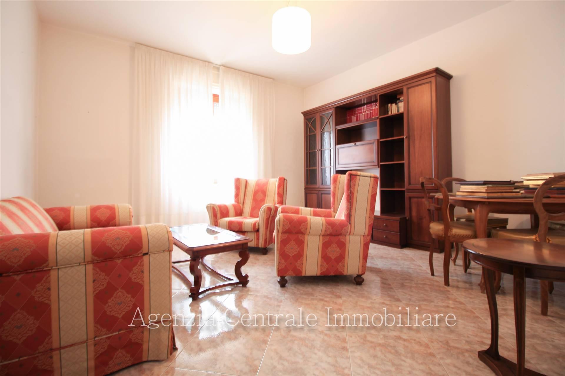 Appartamento in affitto a Grosseto, 4 locali, zona Località: CENTRO CITTÀ, prezzo € 600 | CambioCasa.it