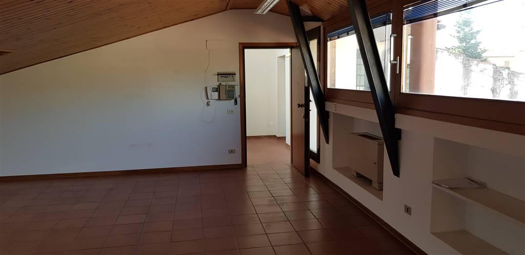 Ufficio in Viale Volta, Campo Di Marte, Le Cure, Coverciano, Firenze