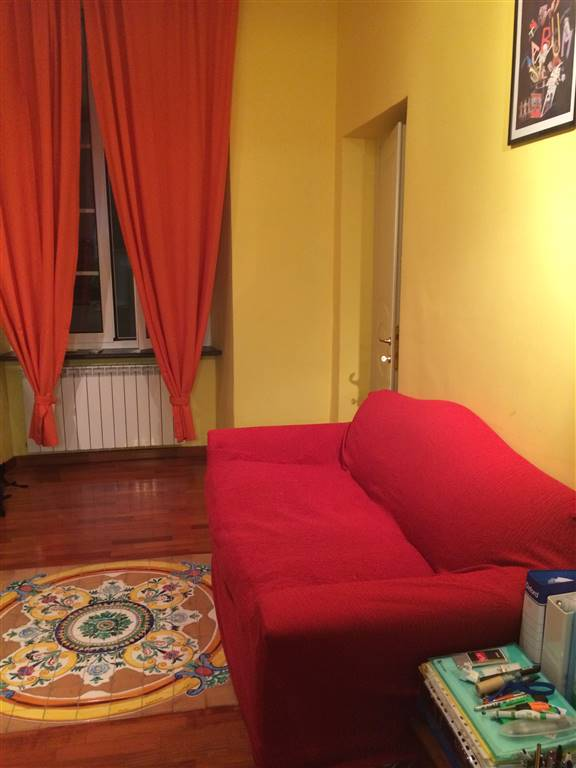 Quadrilocale in Vico Del Filo, Centro Storico, Genova