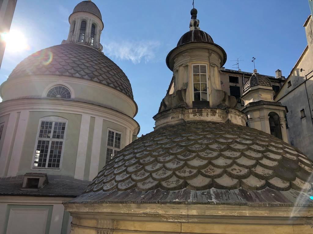 Trilocale in Piazza Cattaneo, Centro Storico, Genova