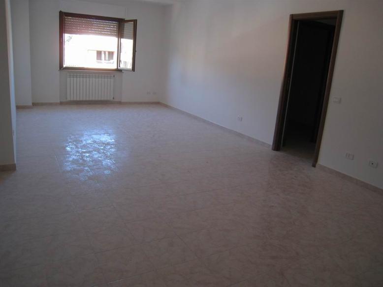 Appartamento in vendita a Montefiascone, 3 locali, prezzo € 150.000 | PortaleAgenzieImmobiliari.it