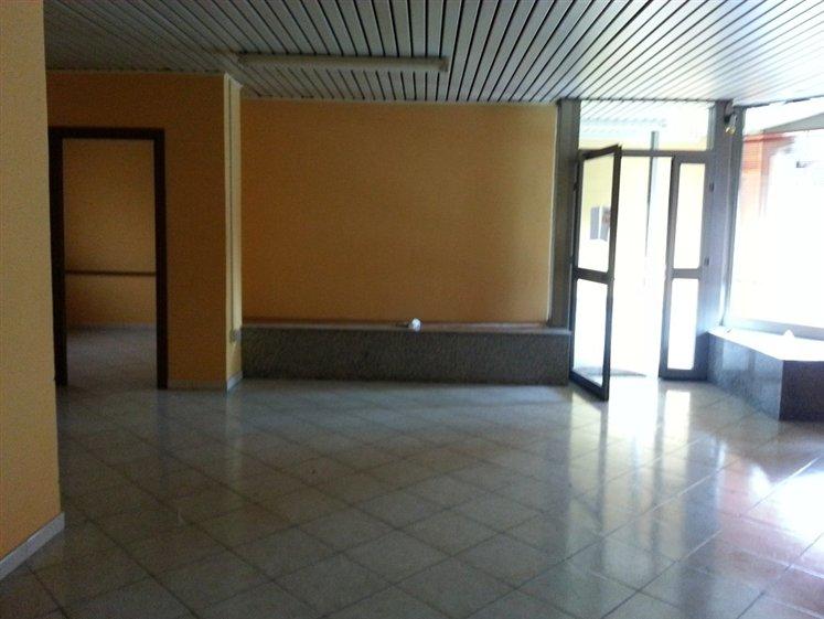 Negozio / Locale in affitto a Montefiascone, 9999 locali, prezzo € 450 | CambioCasa.it