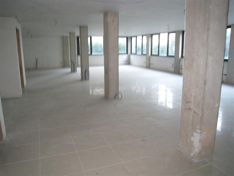 Ufficio / Studio in affitto a Montefiascone, 9999 locali, prezzo € 400 | CambioCasa.it