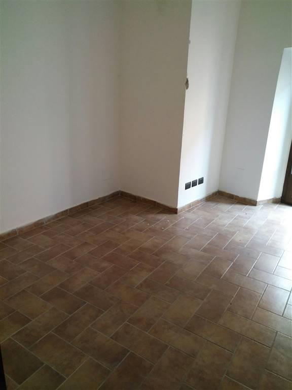 Soluzione Semindipendente in affitto a Montefiascone, 4 locali, prezzo € 370   CambioCasa.it