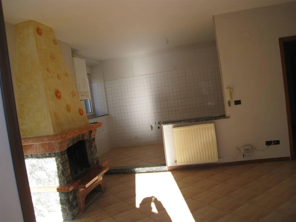 Soluzione Indipendente in vendita a Montefiascone, 4 locali, prezzo € 100.000 | CambioCasa.it