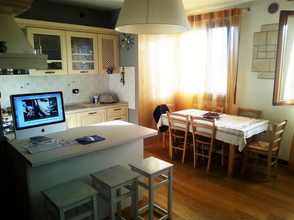 Appartamento in vendita a Este, 5 locali, prezzo € 139.000 | PortaleAgenzieImmobiliari.it