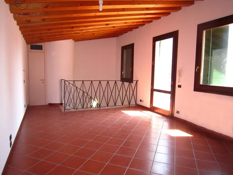 Attico / Mansarda in vendita a Este, 2 locali, prezzo € 125.000 | PortaleAgenzieImmobiliari.it