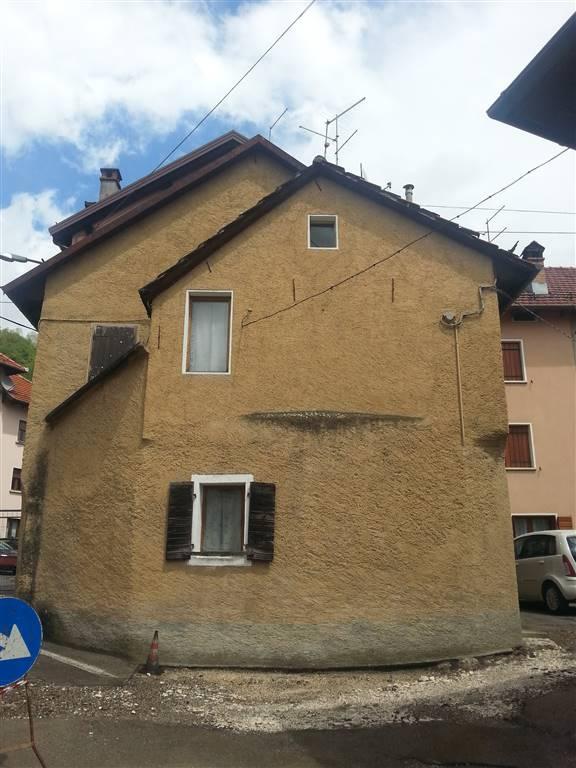 Villa a schiera in Via Primo Maggio, Tambre
