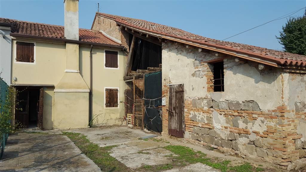 Rustico / Casale in vendita a Vighizzolo d'Este, 8 locali, prezzo € 29.000 | CambioCasa.it