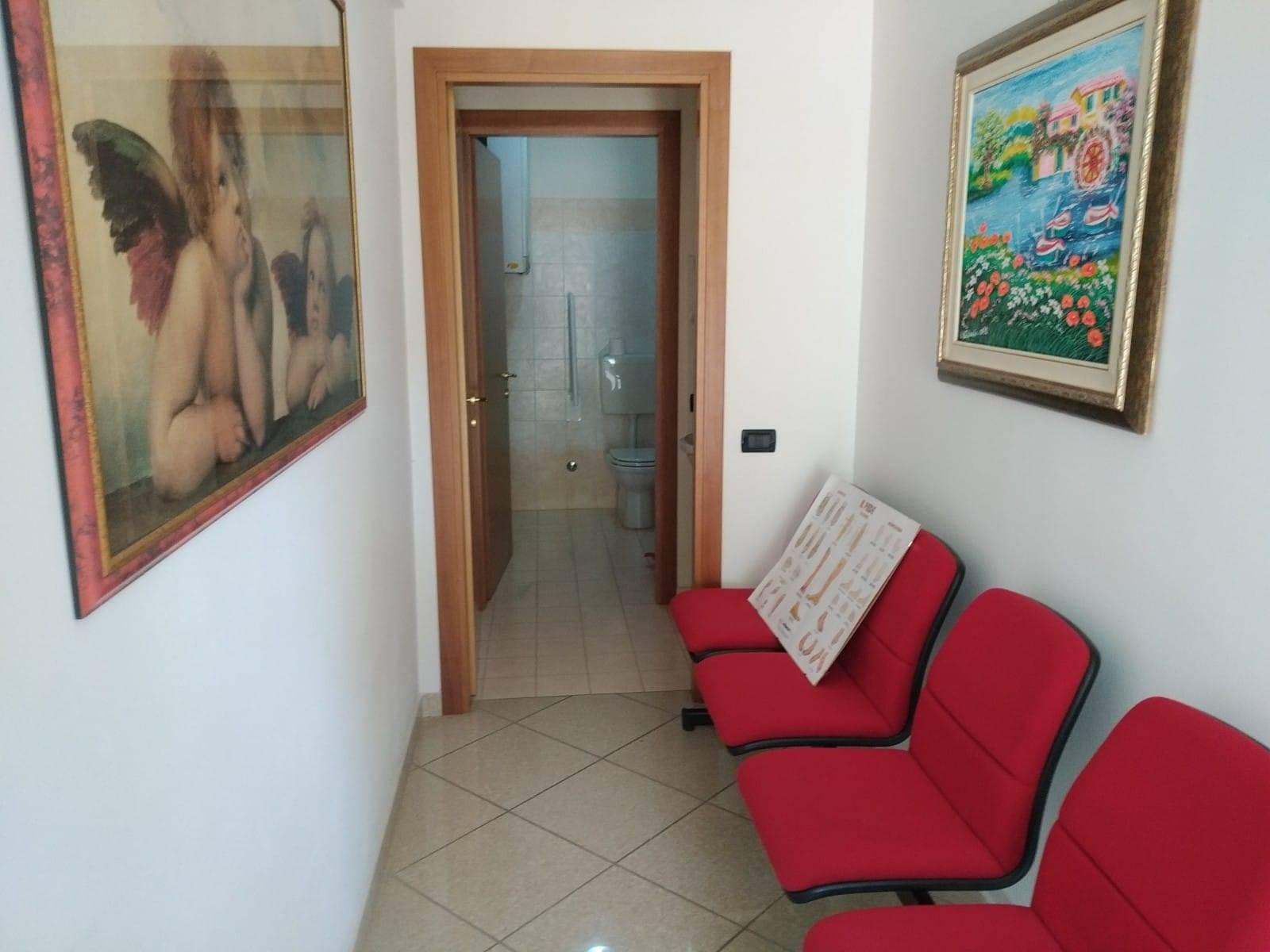 Ufficio / Studio in affitto a Este, 1 locali, prezzo € 350 | CambioCasa.it