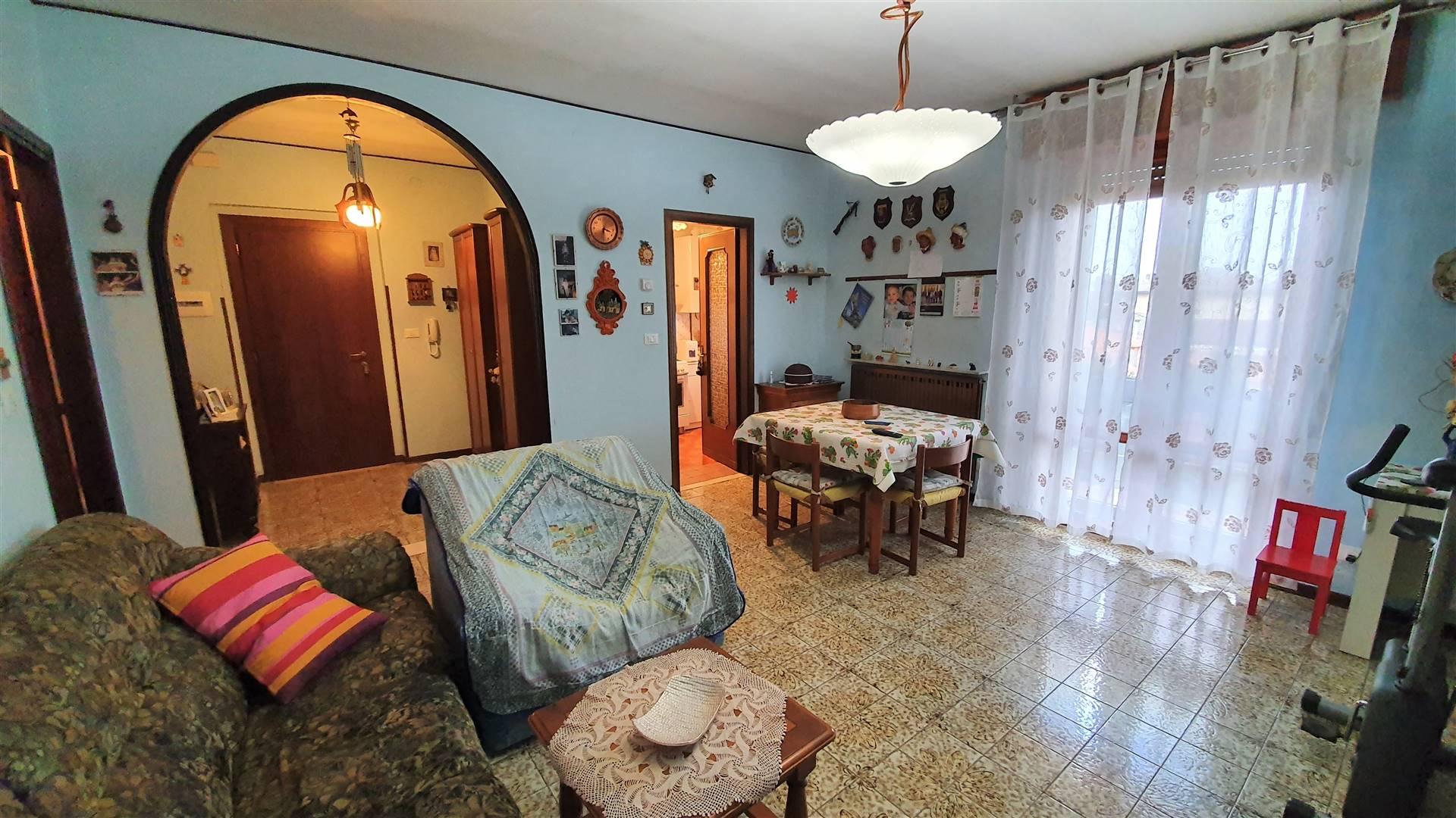 Appartamento in vendita a Este, 4 locali, prezzo € 50.000 | CambioCasa.it