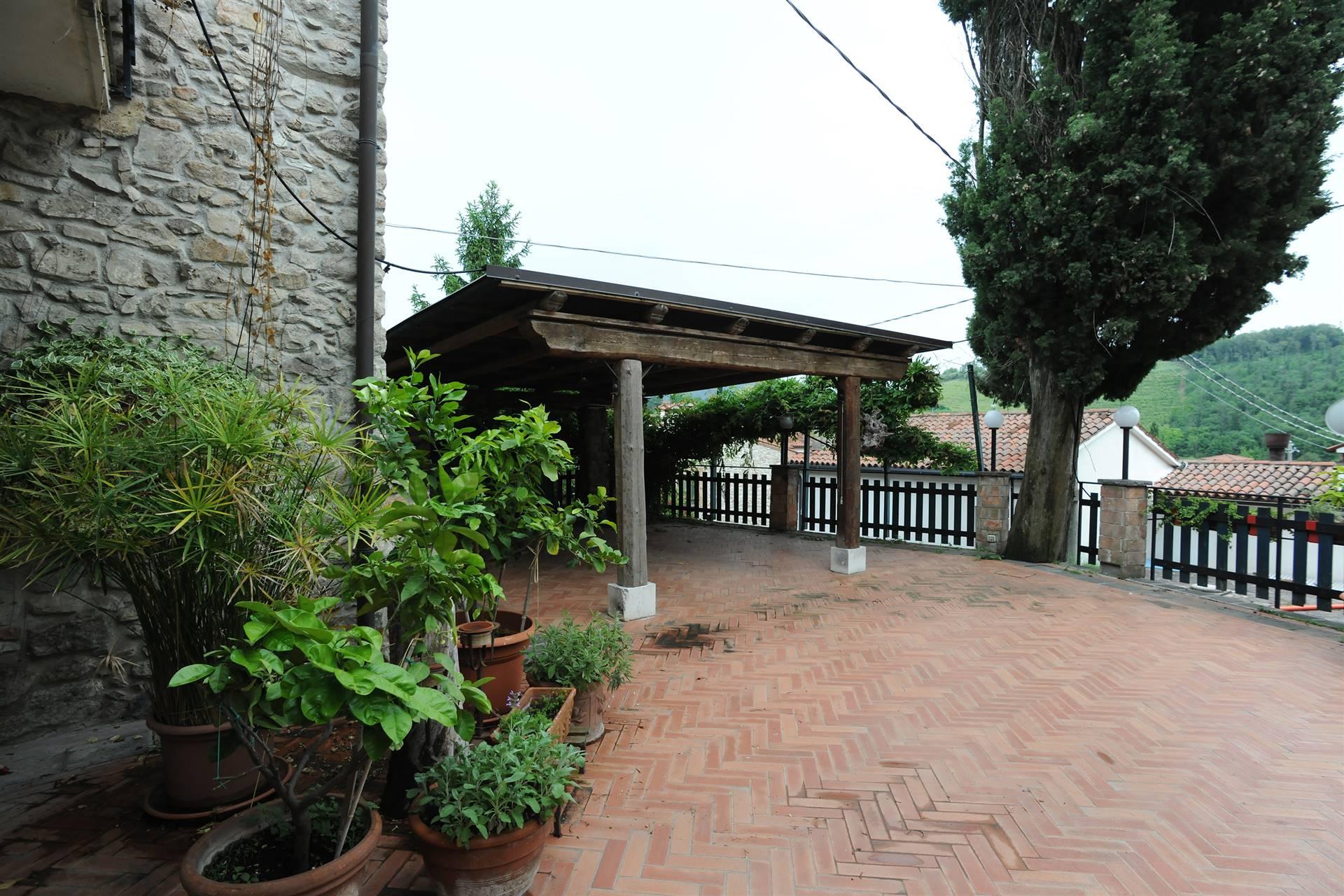 Rustico / Casale in affitto a Cinto Euganeo, 8 locali, zona Località: VALNOGAREDO, prezzo € 1.500   CambioCasa.it