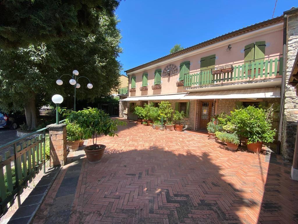 Rustico / Casale in vendita a Cinto Euganeo, 8 locali, zona Località: VALNOGAREDO, prezzo € 380.000 | CambioCasa.it