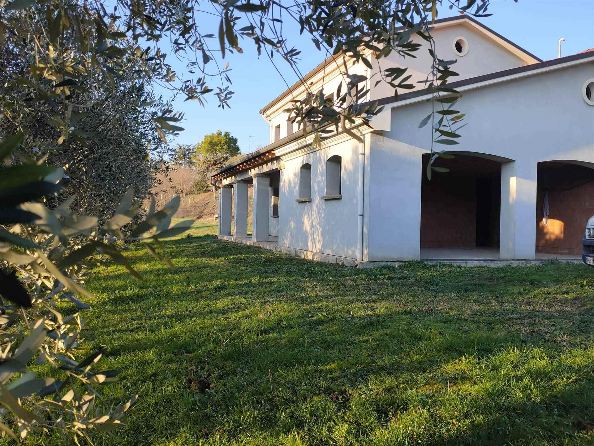 Rustico / Casale in vendita a Cinto Euganeo, 5 locali, prezzo € 210.000 | CambioCasa.it