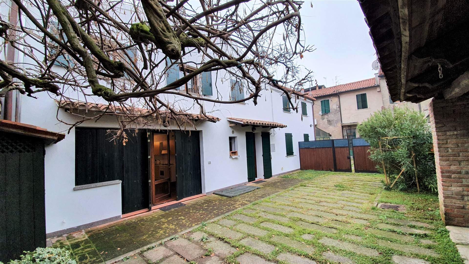 Appartamento in vendita a Este, 5 locali, prezzo € 198.000 | CambioCasa.it