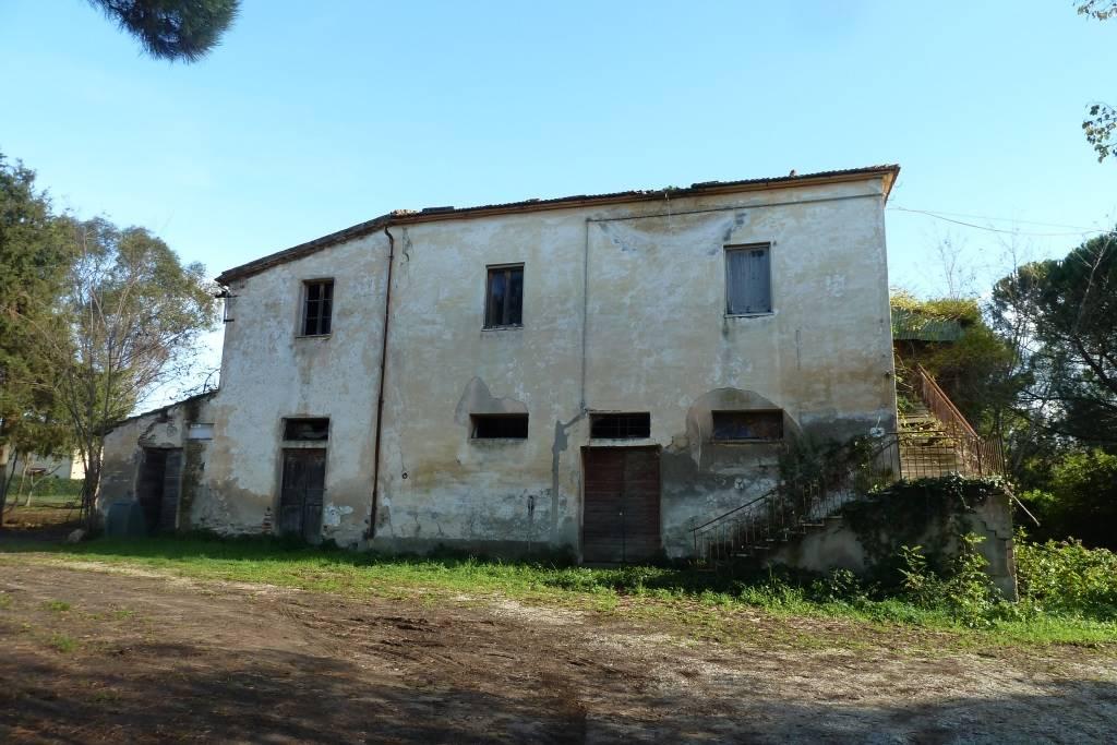 Rustico casale, Ardenza, Livorno, da ristrutturare