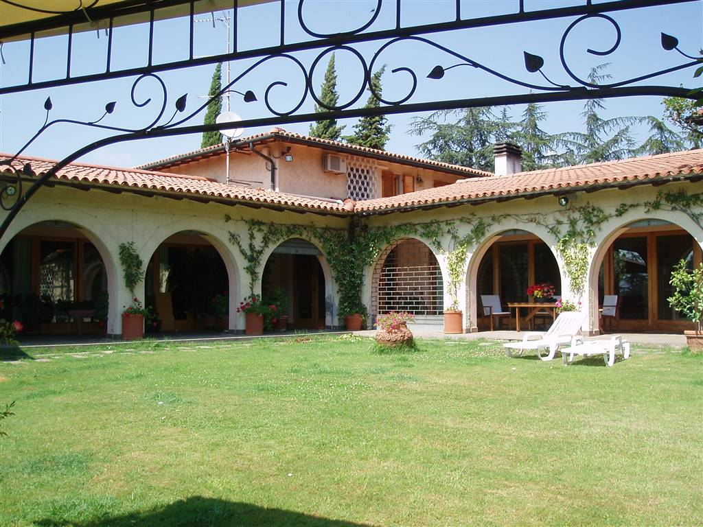 Villa a PONTEDERA