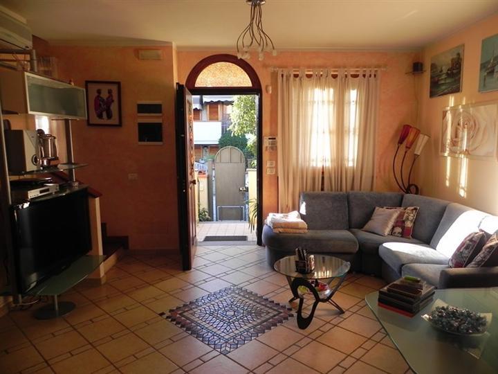 Villa, Piano Di Conca, Massarosa, seminuova