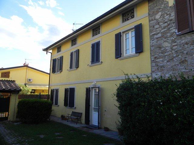 Villa a schiera, Massarosa, in ottime condizioni