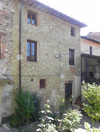 Rustico casale, Nocchi, Camaiore, ristrutturato